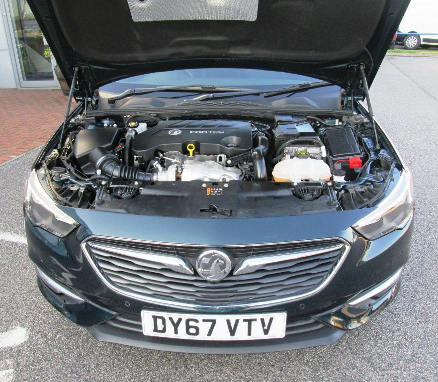 VAUXHALL Insignia 2.0 TD BlueInjection Tech Line Nav Sport