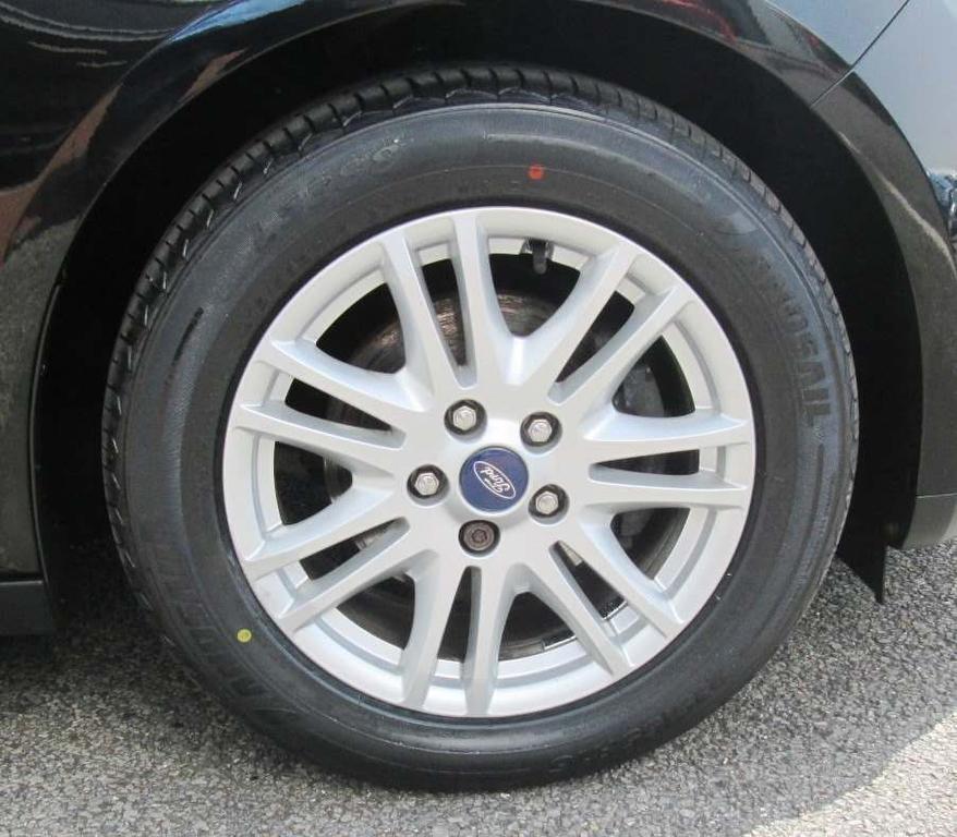 Fordecosport1 0 Ecoboost Titanium 5dr Hatchback: FORD Focus 1.0 SCTi EcoBoost Titanium 5dr 2013 Only GBP