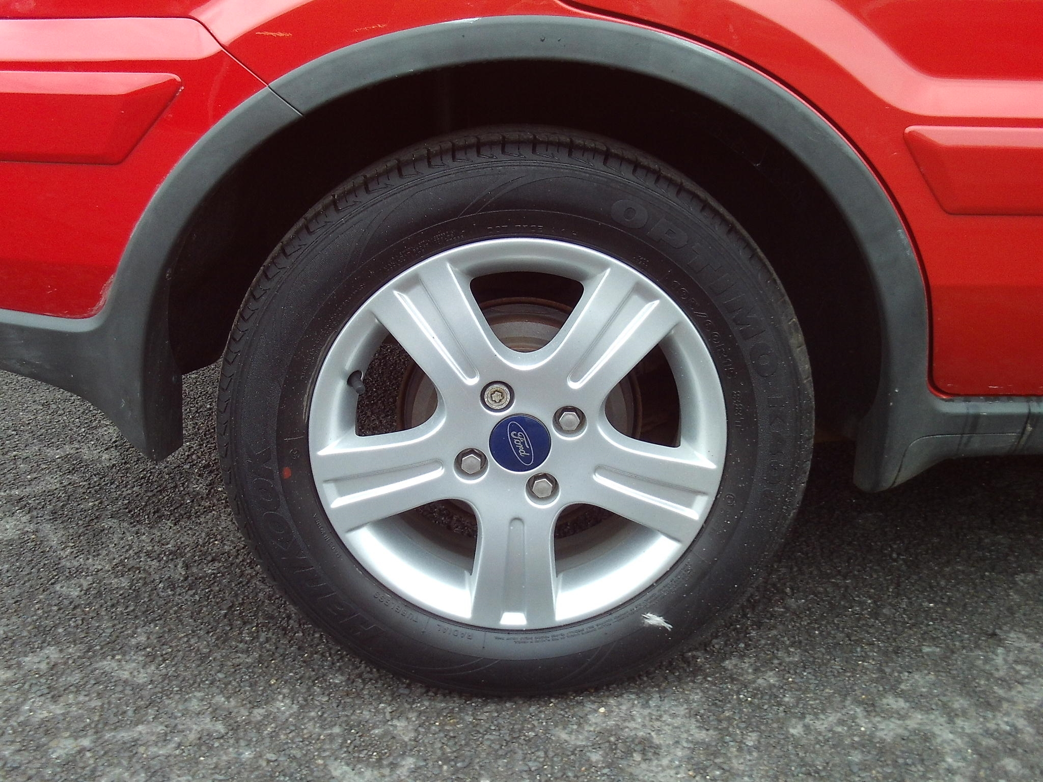 Ford Fusion: Tyre care